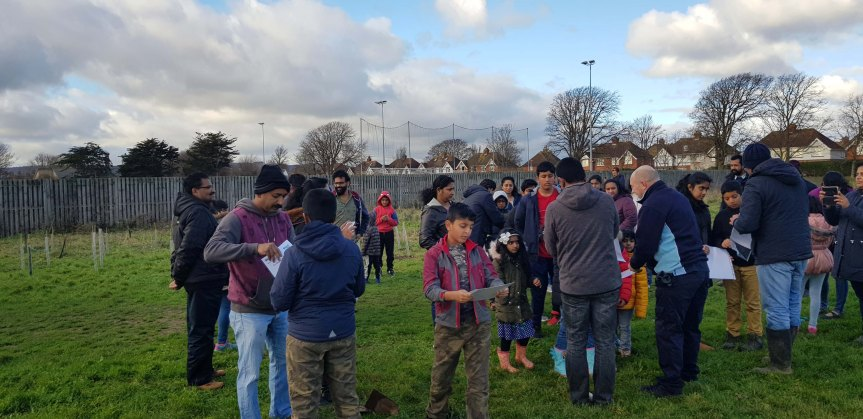 115128 Issueing of tree planting certificates, Princes Park, Eastbourne 2018 12 09